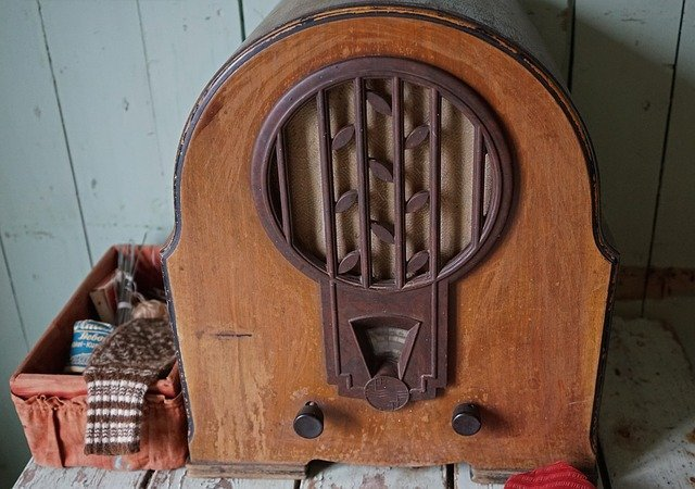 image of old radio set